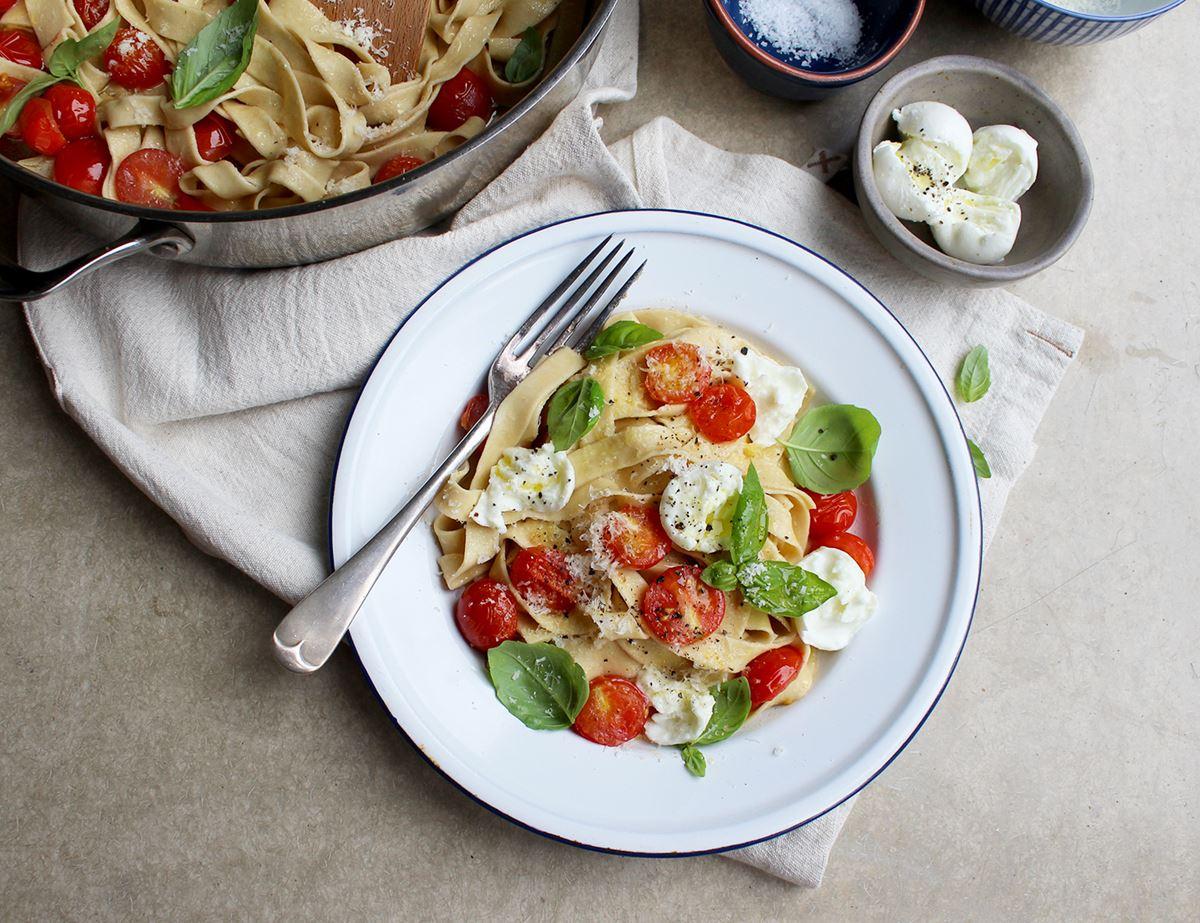 Handmade Pasta with Tomatoes, Basil & Bocconcini