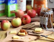 Roasted Garlic & Apple Chutney