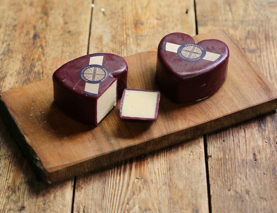 Godminster Heart Shaped Cheddar, Organic (200g)