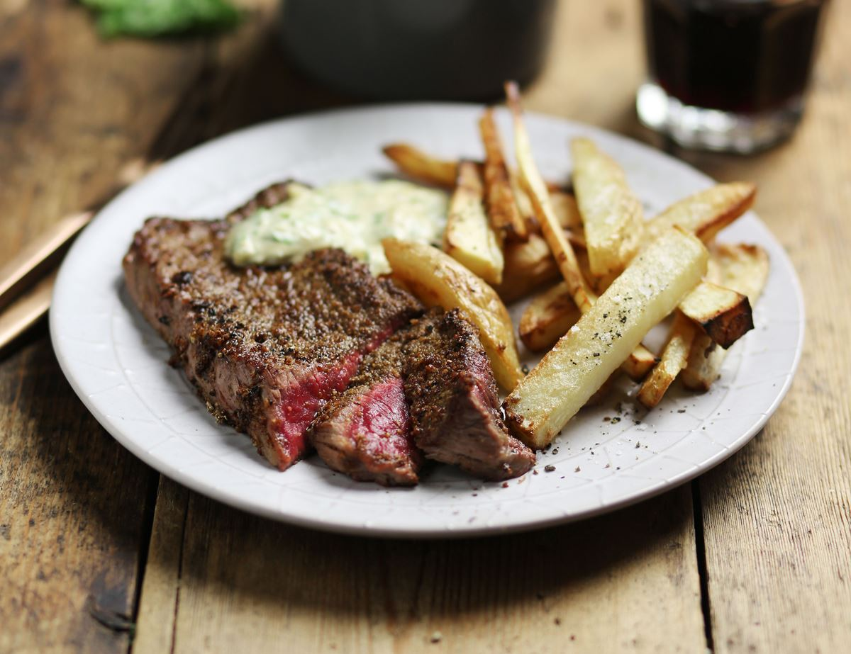 Porcini Minute Steak, Chips & Quick Bearnaise Sauce