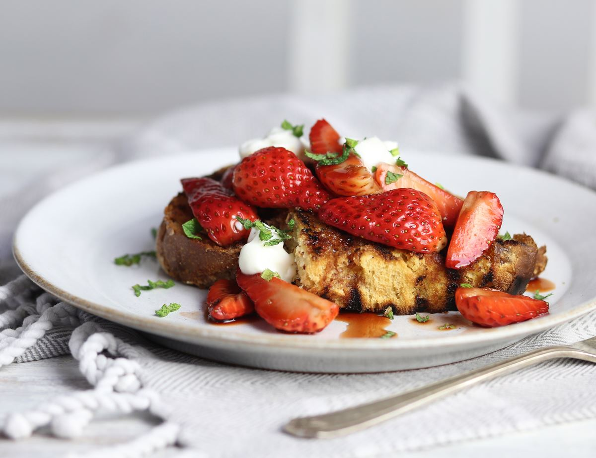 Colomba Bruschetta with Balsamic Strawberries & Mint