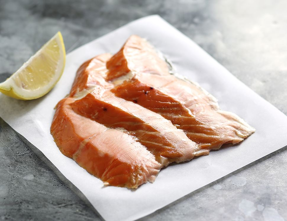 Flaky Roast Smoked Salmon, Sliced, Organic (120g)