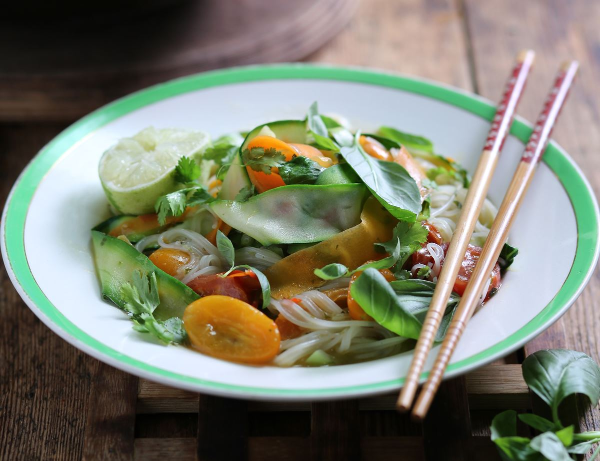 Speedy Heirloom Tomato Tom Yum Noodle Soup