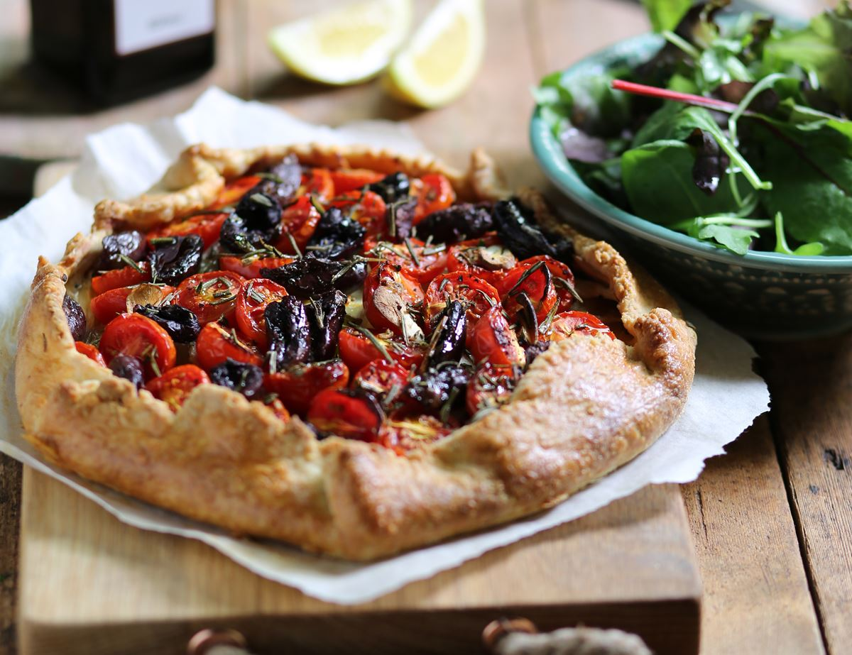 Rustic Tomato, Fennel & Olive Tart with Cheddar Pastry