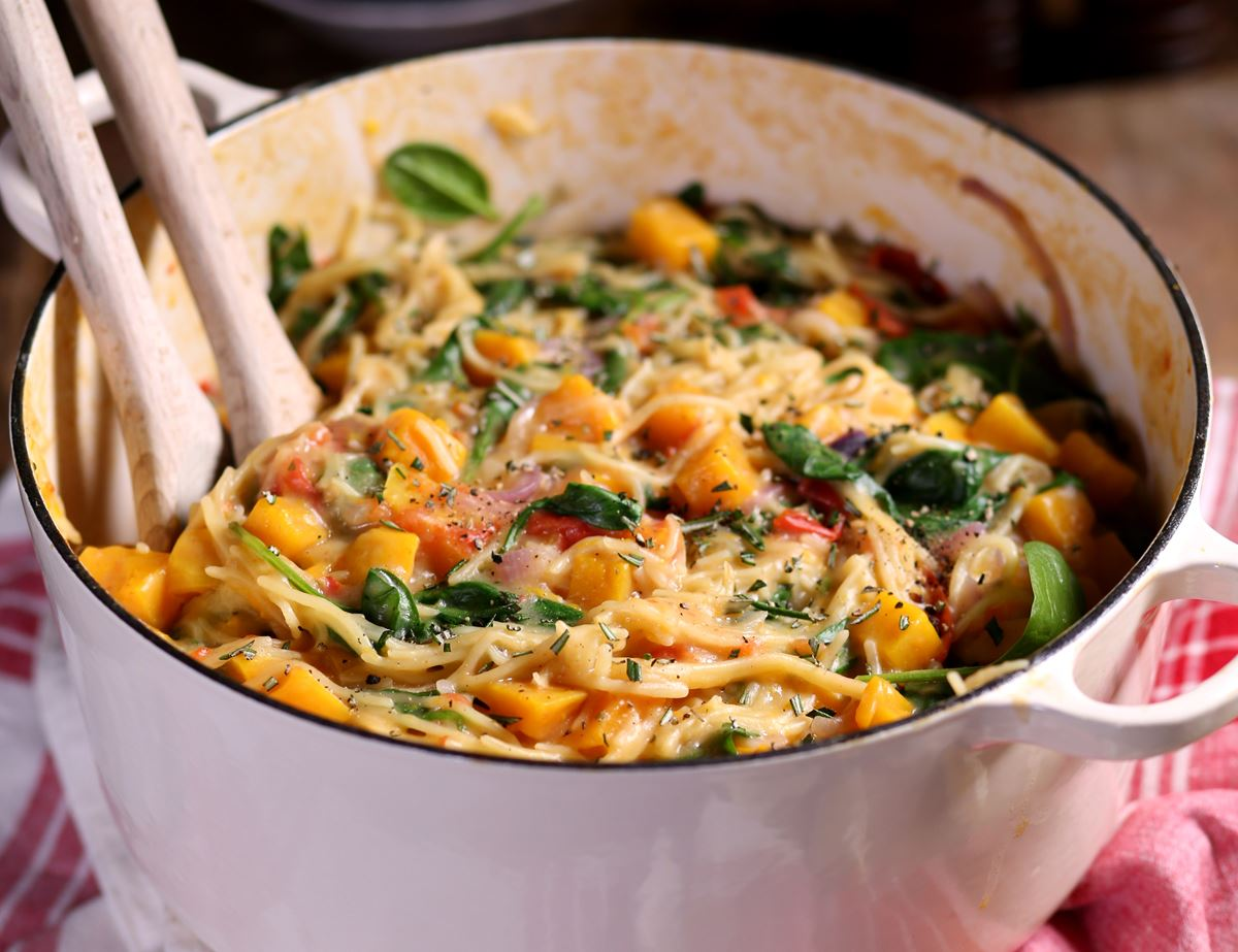 One Pot Squash, Spinach & Rosemary Spaghetti