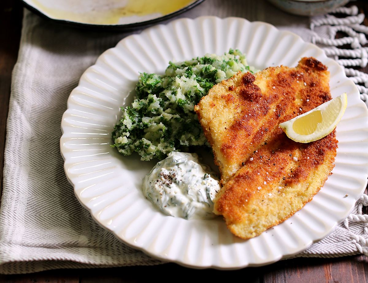 Golden Crumbed Plaice with Wild Garlic Yogurt & Mash