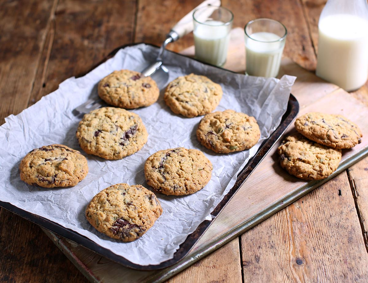 Dark chocolate, Peanut Butter & Pumpkin Seed Cookies