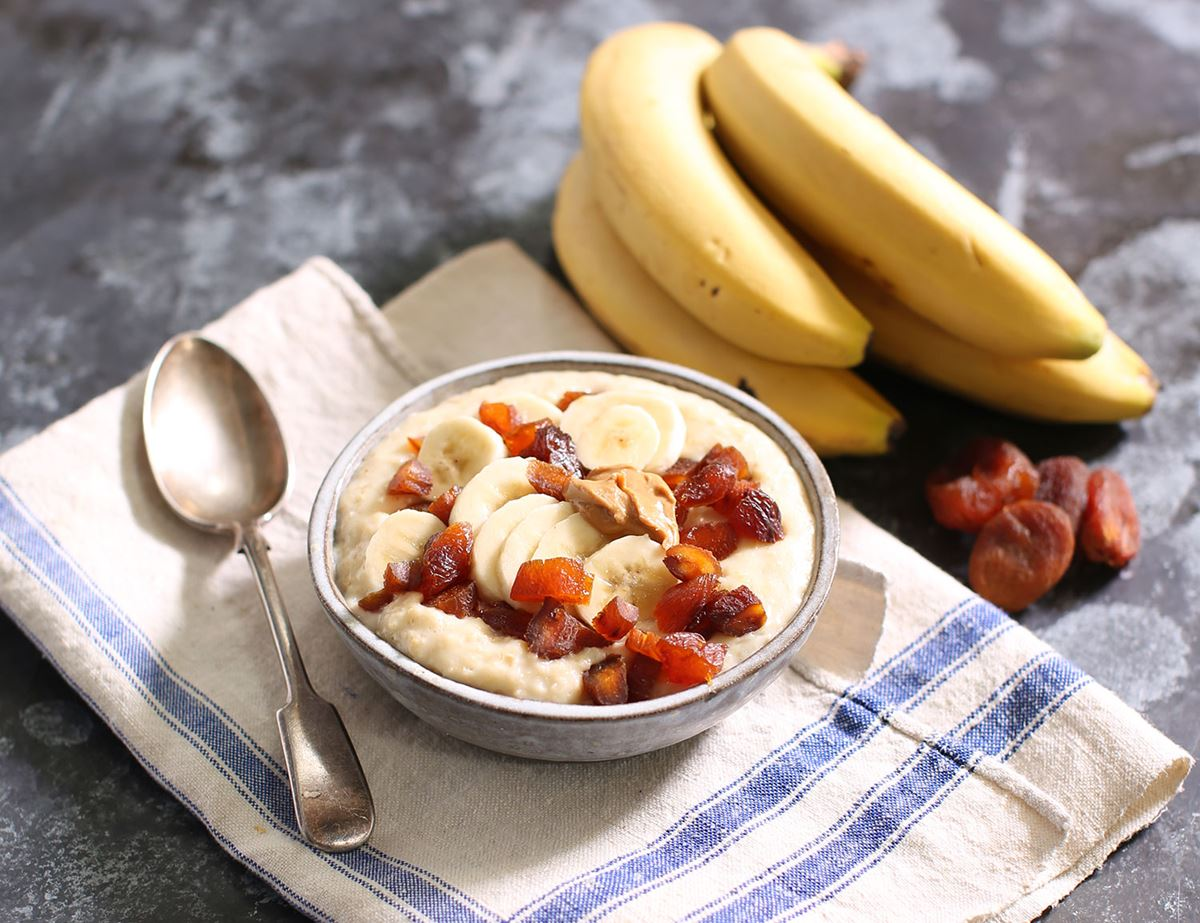 Power Porridge with Banana, Apricots & Cashew Butter