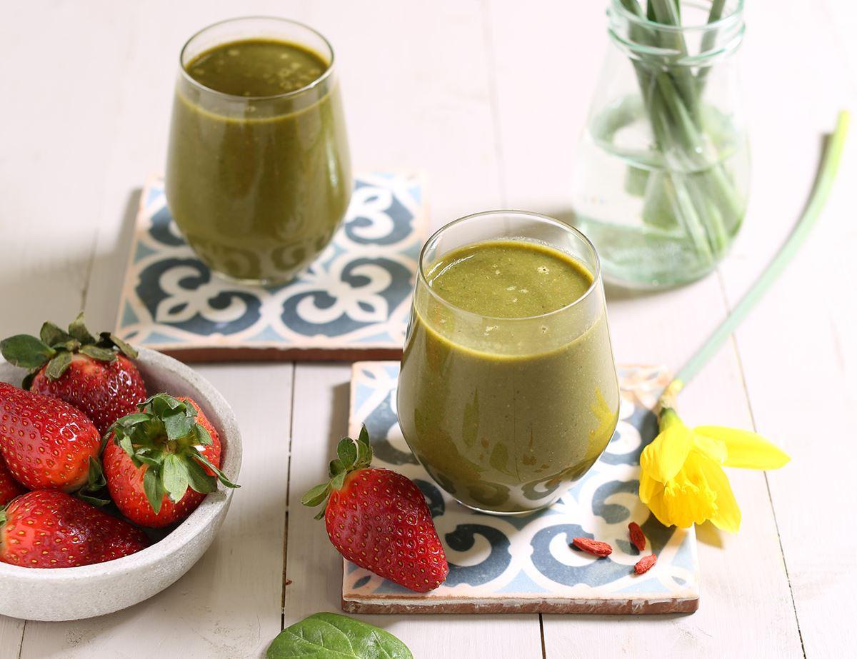 Spinach Strawberry Goji Berry Smoothie Recipe Abel Cole