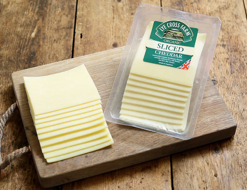 Sliced Farmhouse Cheddar, Organic, Lye Cross Farm (200g)