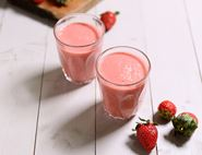 Strawberry, Rhubarb & Coconut Smoothie