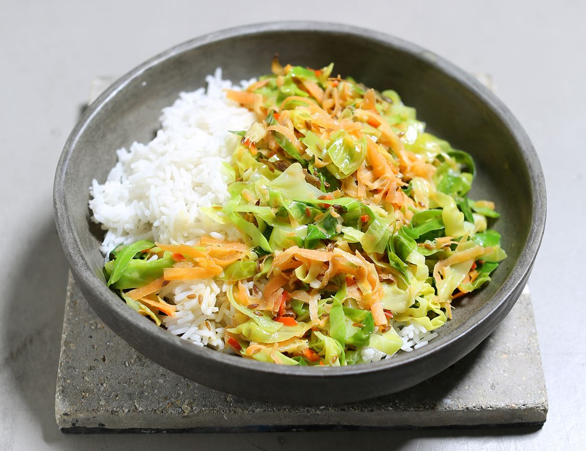 Keralan-Style Coconut, Cabbage & Carrot Curry