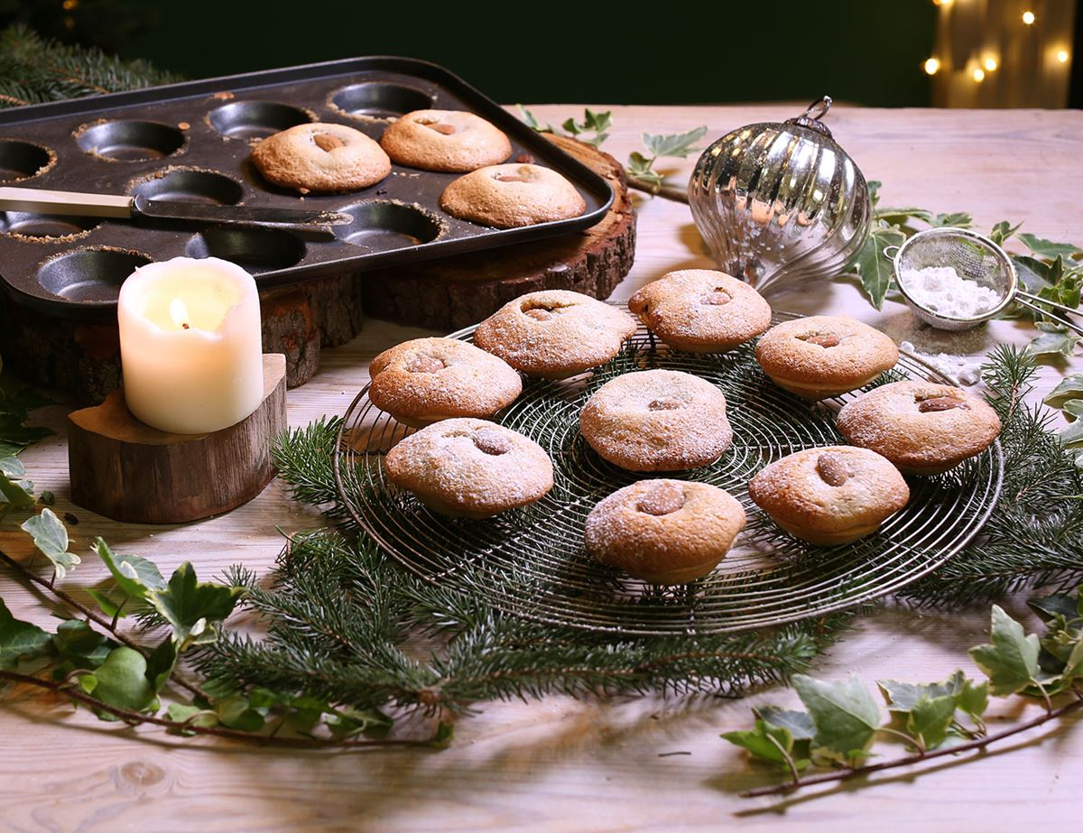 Mairéad's Mum's Macaroon Mince Pies