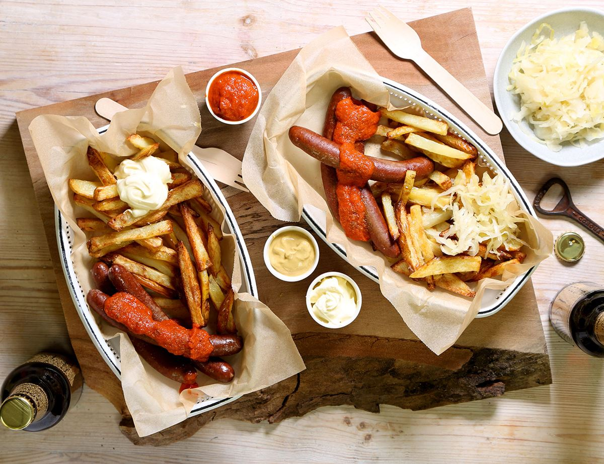 Beef Frankfurters with Curry Sauce & Chips