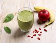 Apple, Almond & Goji Berry Smoothie