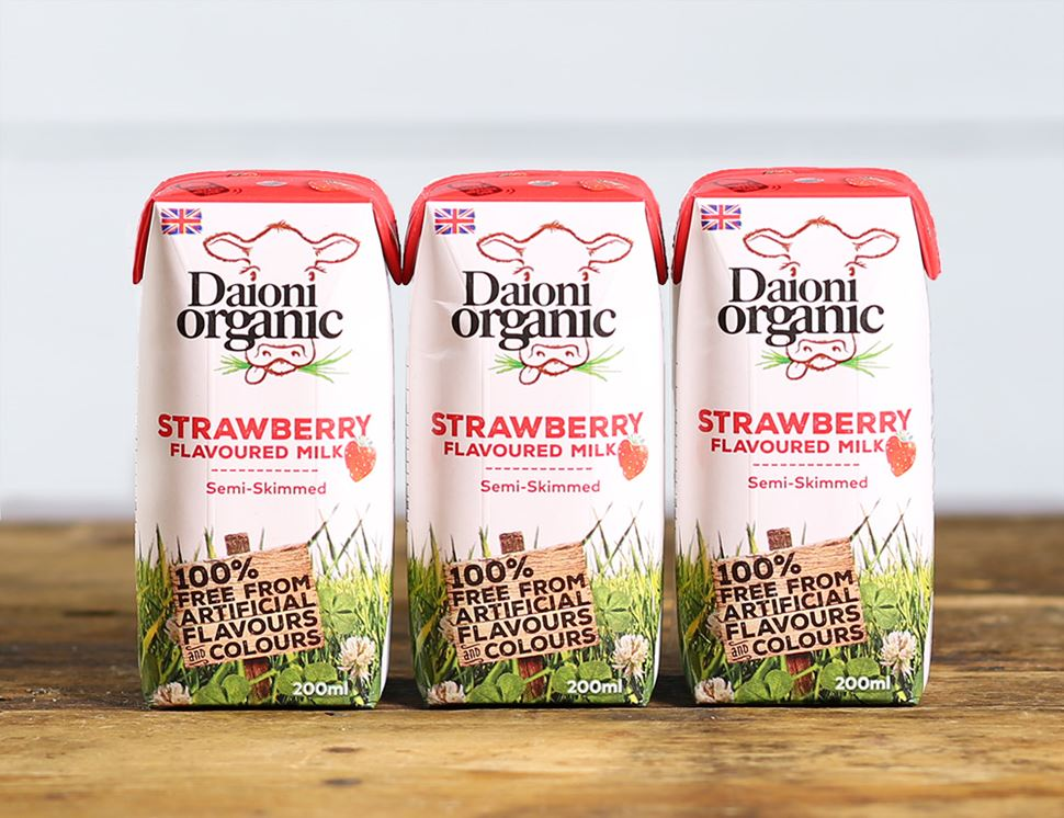 Strawberry Flavoured Milk Drink, Organic, Daioni (3 x 200ml)