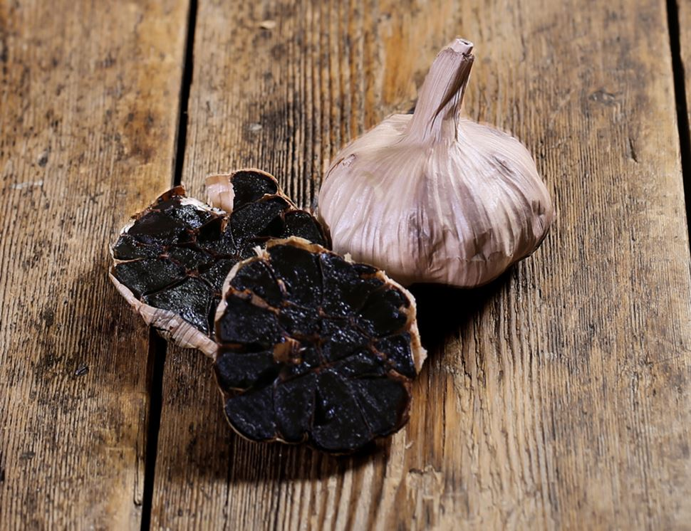 Black Garlic, Organic (1 bulb)