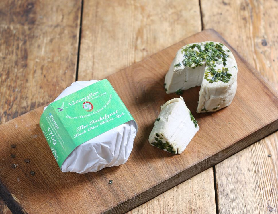Aged Chive Chèvre Style Cashew Cheese Alternative, Organic, Nutcrafter Creamery (170g)