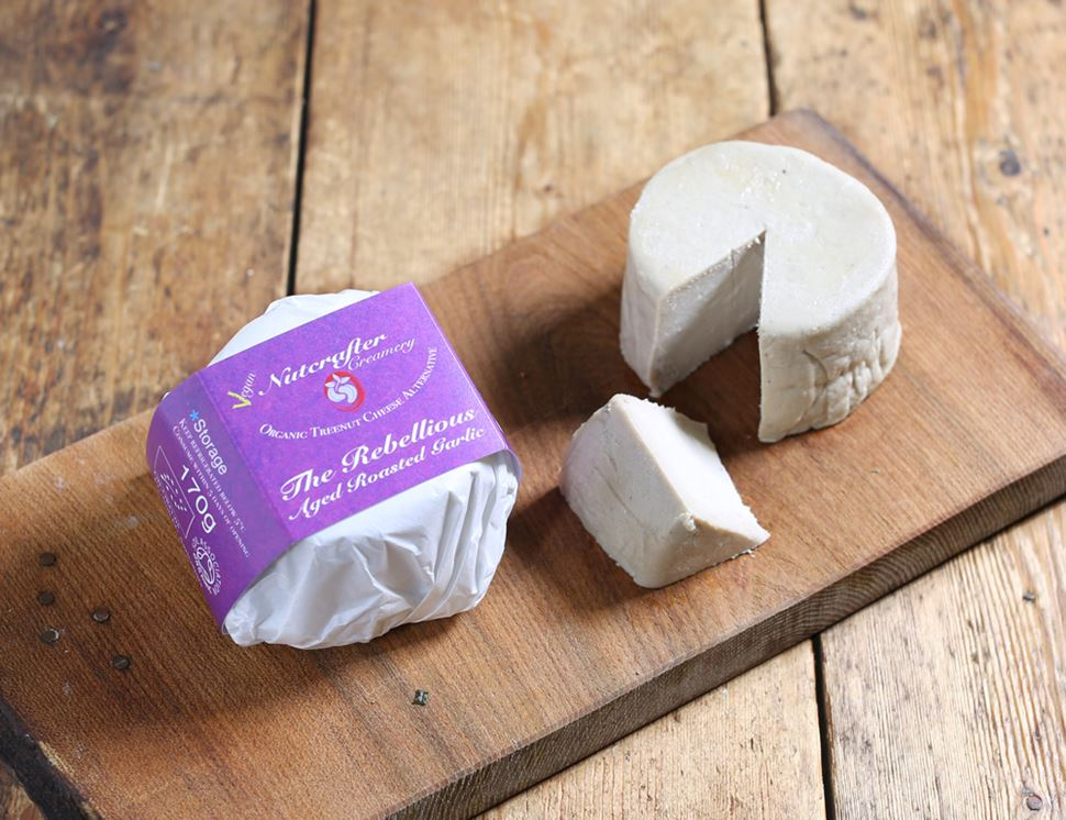 Aged Roasted Garlic Cashew Cheese Alternative, Organic, Nutcrafter Creamery (170g)